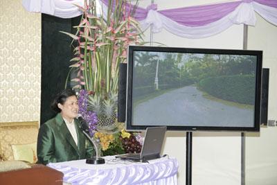 สมเด็จพระเทพรัตนราชสุดาฯ สยามบรมราชกุมารี ทรงพระกรุณาโปรดเกล้าฯ บรรยายเรื่องในร่มเงาวังสระปทุม